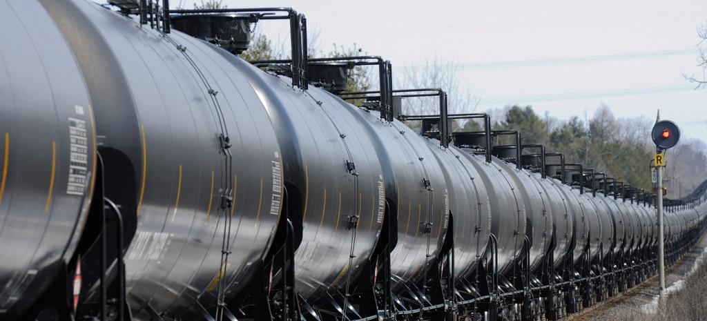 Train of rail tank cars in Washington State